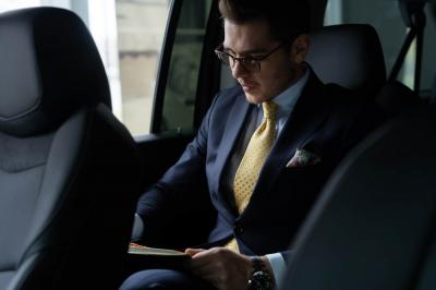 Advantages of Hiring Chauffeured Transportation for Business Trips