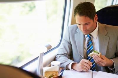 Smart Eating Tips for Business Travelers